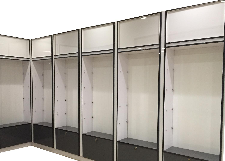 Bimini-hilton-shelves